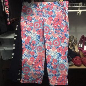 "Lilly Pulitzer Pants - Lilly Pulitzer EUC  ""palm beach fit"" sz 14 capris"